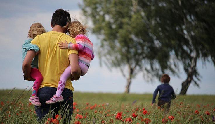 Что делать, если ребенок не хочет общаться с отцом?
